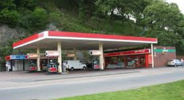 High profile, well located Christchuch  Suburban Service Station 3,000,000 plus litres with fast food.